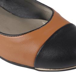 Journee Collection Women's 'Mansion-15' Round Cap Toe Ballet Flats - Thumbnail 2