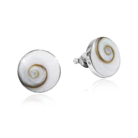 Handmade Round 10mm Swirl Shiva Shell Silver Post Earrings (Thailand)