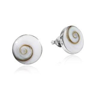 Handmade Round 10mm Swirl Shiva Shell Silver Post Earrings (Thailand)