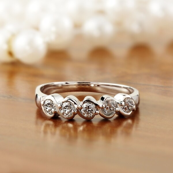 Auriya 14k Gold 1/2ct TDW Diamond S-Swirl 5-Stone Anniversary Ring