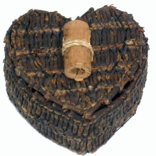 Handmade 3-inch Heart-shaped Clove Box, Handmade in Indonesia