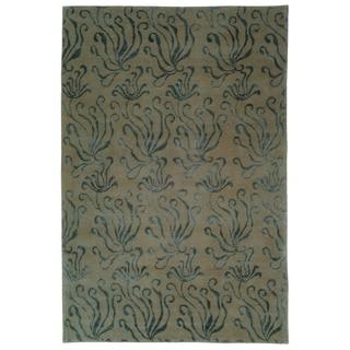 Martha Stewart Seaflora Lagoon Silk/ Wool Rug (5'6 x 8'6)