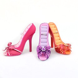 Jacki Design Trendy Peep Toe Shoe Ring Holder