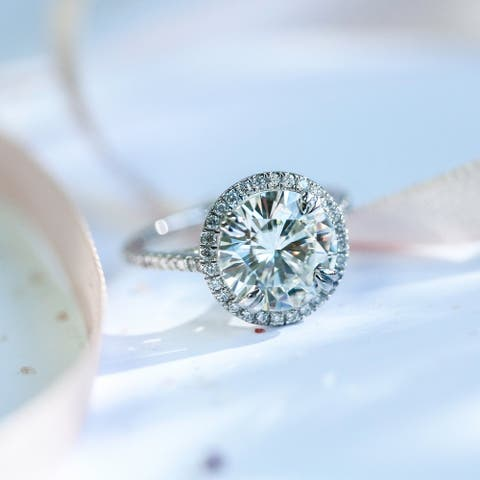 Annello by Kobelli 14k White Gold 3 1/3ct TGW Round-cut Moissanite and Diamond Halo Engagement Ring