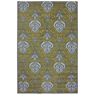 Mohawk Home Strata Elegant Ikat Gold Area Rug (7'6 x 10')