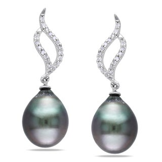Miadora 10k White Gold Tahitian Black Pearl and 1/10ct TDW Diamond Earrings (H-I, I2-I3)