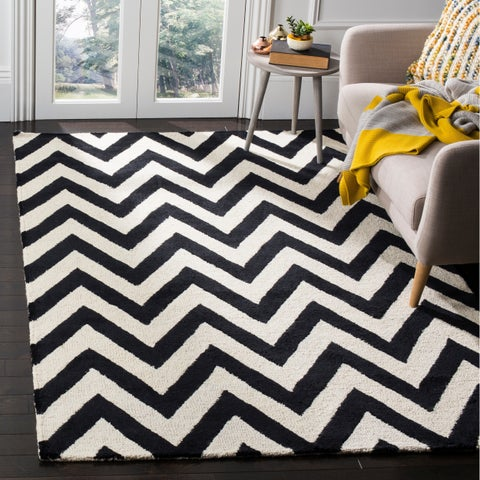 Safavieh Handmade Moroccan Cambridge Chevron Black Wool Rug - 9' x 12'