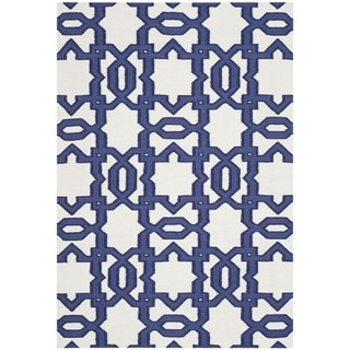 Safavieh Transitional Handwoven Moroccan Reversible Dhurrie Ivory Wool Rug (4' x 6')