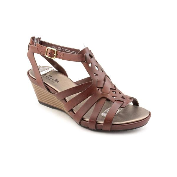13ad7b95520fd4 Shop Clarks Women s  Lucia Coral  Leather Sandals - Free Shipping ...