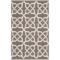 Thom Filicia Hand-woven Indoor/ Outdoor Saddle Plastic Rug - 2'6 x 4'