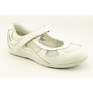 Barefoot Freedom by Drew Women's 'Delite' Leather Casual Shoes - Wide (Size 6)
