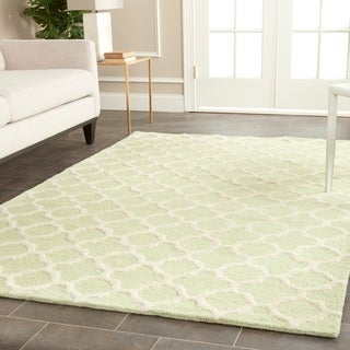 Safavieh Handmade Cambridge Moroccan Light Green/Ivory Geometric-Patterned Wool Rug (8' x 10')
