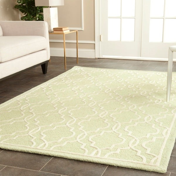 Safavieh Handmade Cambridge Moroccan Light Green Wool Rug with Canvas Backing - 8' x 10'