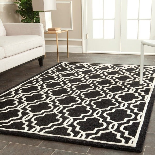 Safavieh Handmade Cambridge Moroccan Abstract Black Wool Rug - 9' x 12'