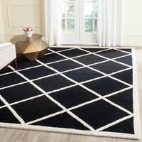 Safavieh Handmade Cambridge Moroccan Black Geometric-Patterned Wool Rug - 6' x 9'