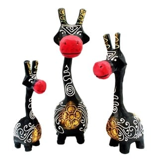 Handmade Black and Red Giraffe Statue, Set of 3 (Indonesia)