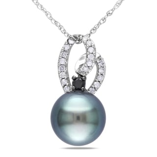 Miadora 10k Gold Tahitian Black Pearl and 1/6ct TDW Diamond Necklace (H-I, I2-I3)
