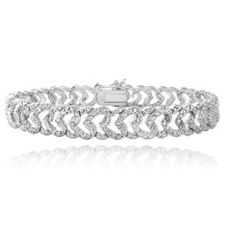 DB Designs Rhodium-plated 1/10ct TDW Diamond Heart Link Bracelet (I-J, I2-I3)
