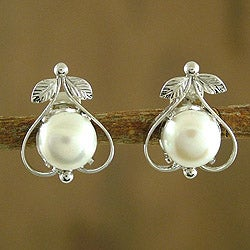 Handmade Sterling Silver 'Perfection' Pearl Earrings (8 mm) (India)