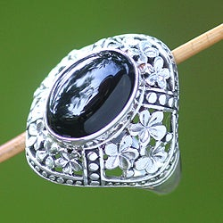 Sterling Silver 'Silence' Onyx Ring (Indonesia)