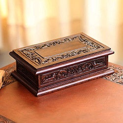 Handmade Mohena Wood and Leather 'Andean Detail' Jewelry Box (Peru)