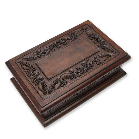Handmade Andean Detail Mohena Wood and Leather Jewelry Box (Peru)