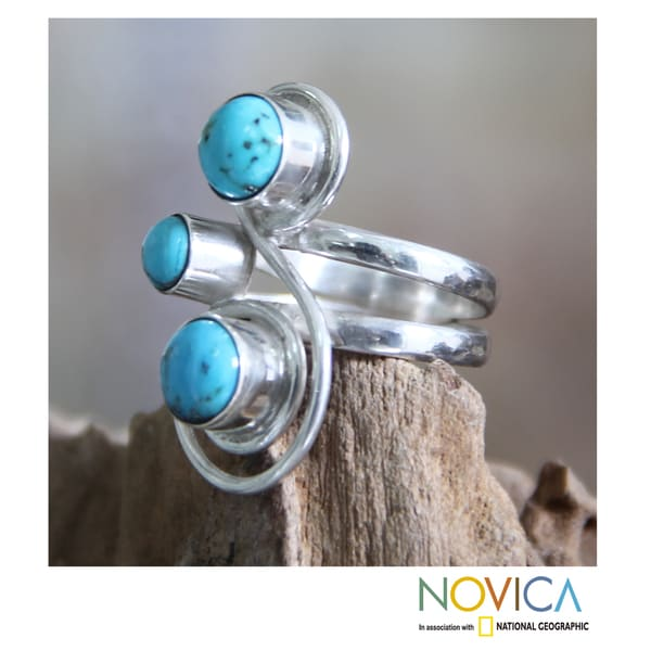 Handmade Sterling Silver 'Ocean Melody' Recon Turquoise Ring (Indonesia)