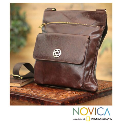 Handmade Leather 'Arequipa Traveler' Medium Messenger Bag (Peru)
