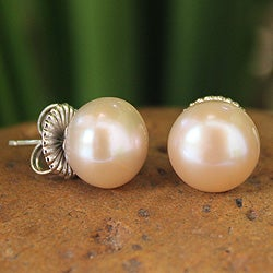 Sterling Silver 'Dawn Glow' Cultured Pearl Earrings (11 mm) (Thailand)