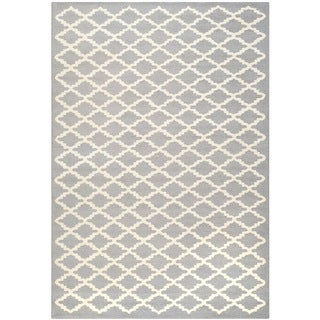 Safavieh Handmade Cambridge Moroccan Silver Tufted Wool Rug (4' x 6')