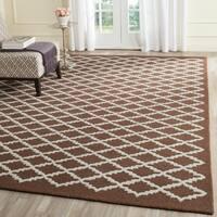 Safavieh Handmade Cambridge Moroccan Dark Brown Crisscross Pattern Wool Rug - 4' x 6'
