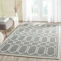 Safavieh Handmade Moroccan Cambridge Geometric-pattern Silver Wool Rug - 8' x 10'