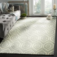 Safavieh Handmade Moroccan Grey .5 Inch Pile Indoor Wool Rug - 7' Square