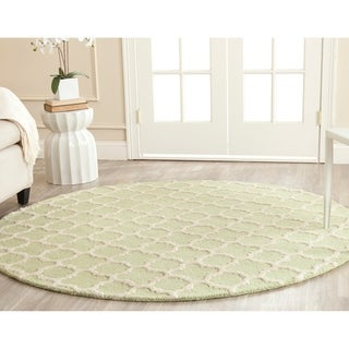Safavieh Handmade Cambridge Moroccan Light Green Geometric-Patterned Wool Rug (6' Round)
