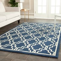 Safavieh Handmade Cambridge Moroccan Navy Wool Rug with Ivory Pattern (4' x 6')