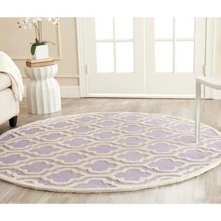 Safavieh Handmade Cambridge Moroccan Lavander Geometric-Pattern Wool Rug (6' Round)