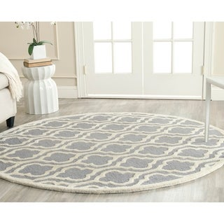 Safavieh Handmade Cambridge Moroccan Silver Tufted Wool Rug (6' Round)