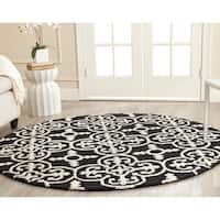 Safavieh Handmade Cambridge Moroccan Black Wool Cross Pattern Rug - 6' Round