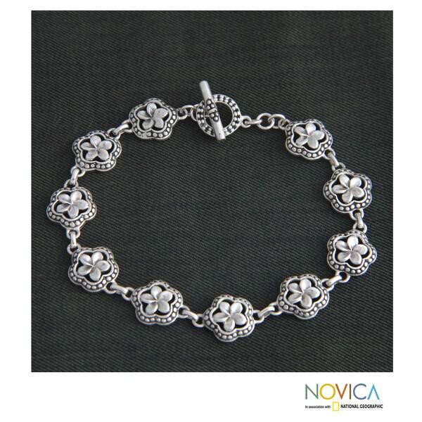 Handcrafted Sterling Silver 'Loyal Frangipani' Bracelet (Indonesia)