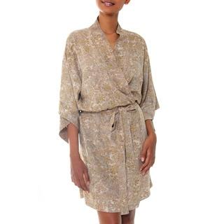 Handmade Rayon 'Autumn Jasmine' Batik Robe (Indonesia)
