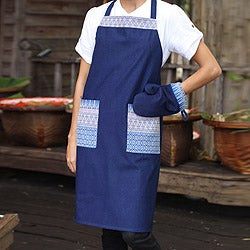 Handmade Cotton 'Blue Kitchen Chic' Apron and Oven Mitt (Thailand)