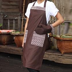 Handmade Cotton 'Brown Kitchen Chic' Apron and Oven Mitt (Thailand)