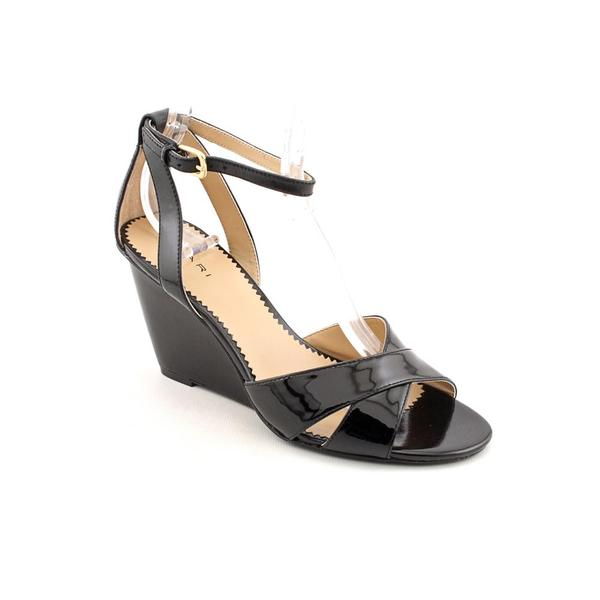 Tahari Women's 'Gianna' Patent Leather Sandals