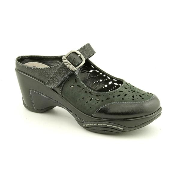 White Mountain Women's 'Memoir' Leather Casual Shoes (Size  6.5 )