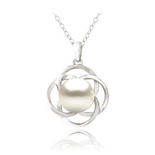 Glitzy Rocks Sterling Silver Freshwater Pearl Flower Necklace (10 mm)