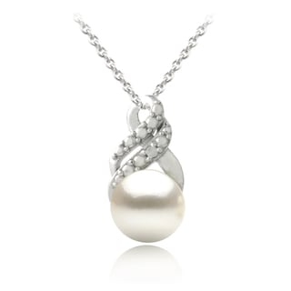 Glitzy Rocks Silver FW Pearl and Diamond Accent Swirl Infinity Necklace (8 mm)