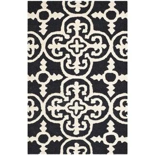 "Traditional Safavieh Handmade Cambridge Moroccan Black Wool Accent Rug (2'6"" x 4')"