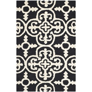 "Traditional Safavieh Handmade Cambridge Moroccan Black Wool Accent Rug (2'6"" x 4')"