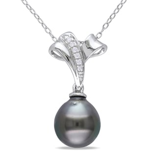 Miadora Sterling Silver Tahitian Pearl and Diamond Necklace (9-9.5 mm)