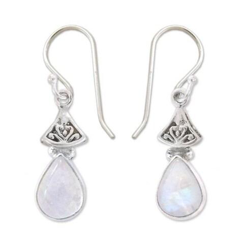 Handmade Sterling Silver 'Misty Morn' Moonstone Earrings (India)